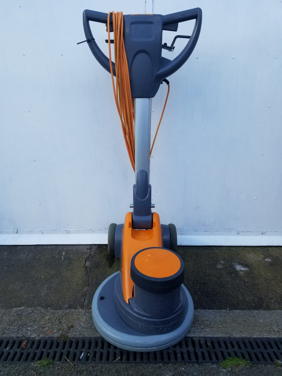 Floor Scrubbing Machine – Taski Ergodisc 200