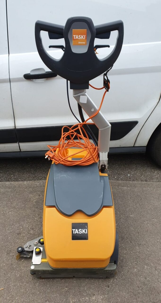 Floor Scrubber Dryer Machine – Taski Swingo 350